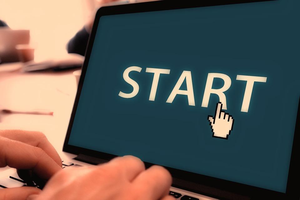 Koalitionsvertrag enthält 25 Vorhaben, von denen Startups profitieren würden Nach einem Jahr wurden davon vier bereits vollständig umgesetzt, bei neun ist noch nichts passiert