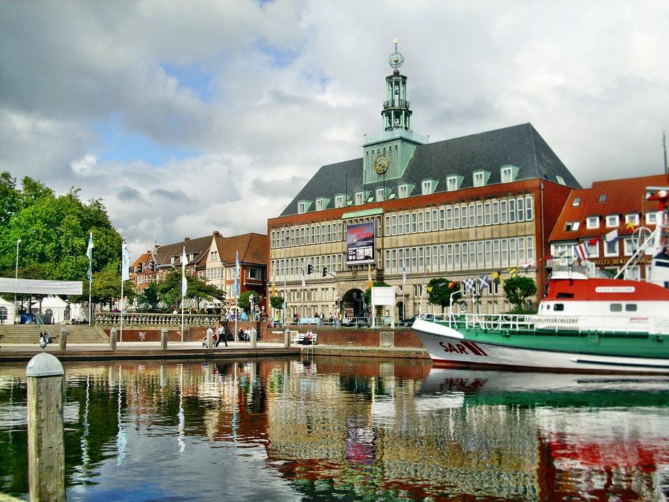 Der Wirtschaftsstandort Emden bietet großes Potential - sowohl in den traditionellen Sparten als auch in modernen und kreativen Bereichen. Nutzen Sie dieses Potential...