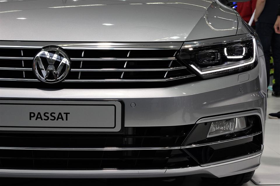 Auf das Volkswagen-Werk in Emden werden in naher Zukunft einige signifikante Änderungen zukommen. Diese sieht der VW-Konzern als notwendig an, um auf eine stark nachlassende Nachfrage beim früheren Verkaufsschlager VW Passat zu reagieren.
