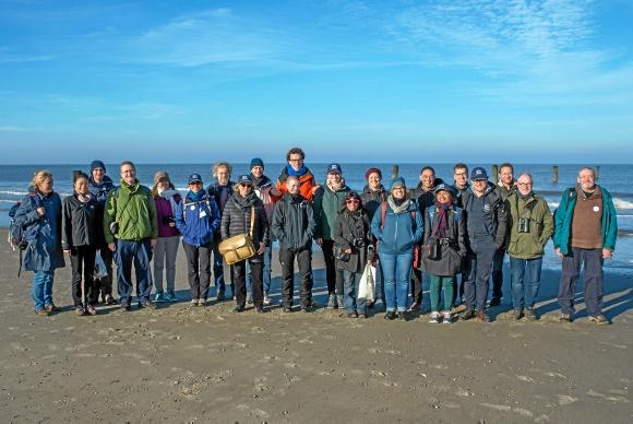 Die Workshopteilnehmer auf ihrer Exkursion an der Weißen Düne auf Norderney. Foto: CWSS/Joachim Trettin