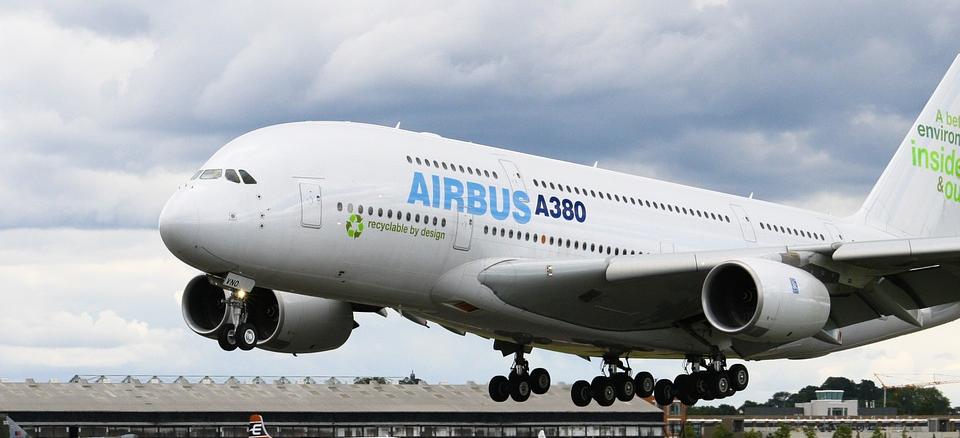 Durch die erhöhte Nachfrage nach den Airbus Langstreckenfliegern A350 und A330, sowie einem Push des bisher eher schleppend erfragten A330neo wird Airbus selbst durch die Einstellung der Produktion des Superjets eher wirtschaftliche Vorteile erzielen. Hier könnten neue Arbeitsplätze entstehen und die Arbeitskräfte konzernintern von der A380 Produktion abgezogen werden.