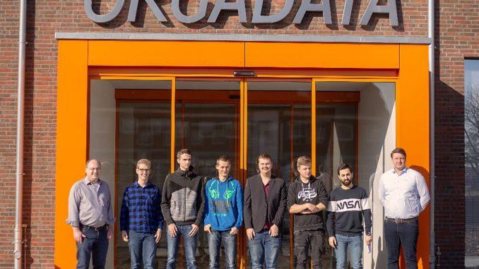 Das Bild zeigt die Schüler und Verantwortlichen von Orgadata Personen v.l.: Axel Rekemeyer (Vorstand HR4You), Bart Vink, Ute Rekemeyer (Vorstand HR4You) und Stijn Prins.Bild Pressestelle Landkreis Leer