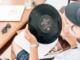 Der typische Schallplattenkäufer ist übrigens verschiedenen Studien zufolge über 50 Jahre alt und zumeist männlich. Er ist ein passionierter Musikliebhaber und hält den Künstlern, die er präferiert, sein Leben lang die Treue. Ein Großteil der Schallplattenproduktion sind Alben von Rockbands, aber auch in der elektronischen Musik sind sie beliebt.