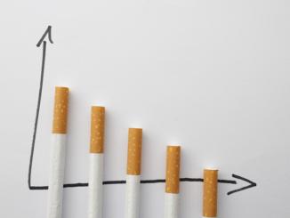 Die Tabakindustrie verzeichnet in den vergangenen Jahren einen leichten Rückgang der Umsätze. Es wurden 2018 etwa 2% weniger Zigaretten gekauft als in 2017, während der Verkauf von losem Tabak, Zigarren und Zigarillos stark zunahm. Noch immer sind über 16 Millionen Deutsche Raucher.