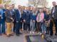 Die Veranstalter und Organisatoren des B.O.P. Wallenhorst beim Rundgang am Stand des Unternehmens Hörnschemeyer Dächer, die Dachdecker ausbilden. Foto: MaßArbeit / Andre Havergo