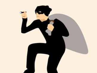 Smarter Einbruchschutz setzt Beratung voraus. Die Kriminalpolizei sollte Ihre erste Anlaufstelle sein. Dort finden Sie kostenlos Experten, die bereits mit Einbrüchen zu tun hatten. Man wird Ihnen ausreichend Informationen an die Hand geben. Fragen Sie, welche mechanischen oder elektronischen Maßnahmen sinnvoll sind, um den Einbruchschutz für Ihr Objekt zu gewährleisten.