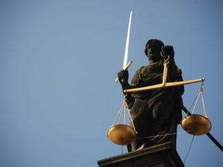 Zur Begründung der Entscheidung führte die Kammer aus, der Antrag auf Anordnung der sofortigen Vollziehung sei bereits unzulässig, da der Förderverein Freundliches Bramsche e. V. sich mit seinem Antrag zunächst an die Stadt Bramsche hätte wenden müssen.