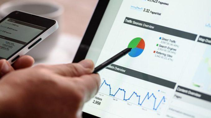 Eine SEO-Agentur beschäftigt für die Umsetzung dieser Strategie zahlreiche Experten in verschiedenen Bereichen der Suchmaschinenoptimierung. Es geht natürlich um die technische Expertise, die ein Mitarbeiter einbringen muss, aber auch um kaufmännische und typische Marketing-Agenden.
