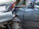 Zu schnellen Autofahrern droht im Normalfall eine Geldstrafe. Wird die Geschwindigkeit weit überschritten und ist das nicht das erste Mal kommen zusätzlich Punkte in Flensburg hinzu. Diese werden addiert und führen bei entsprechender Überschreitung zum Führerscheinentzug.