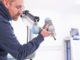 Kollaborative Roboter (Cobots), die direkt mit Menschen zusammenarbeiten, könnten in Zukunft verstärkt in Fabriken zum Einsatz kommen. Foto: OFFIS - Institut für Informatik, Oldenburg