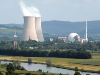 KKW Grohnde an der Weser - Autor des Bildes: Axel Hindemith