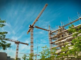 """""""Mit den Neubauten verbessern wir die Studienbedingungen für die wachsende Zahl an Studierenden und erhöhen die Attraktivität unserer Hochschulen. Gleichzeitig schaffen wir eine moderne Forschungsinfrastruktur, die angewandte Forschung auf höchstem Niveau ermöglicht"""", sagt der Niedersächsische Minister für Wissenschaft und Kultur, Björn Thümler."""