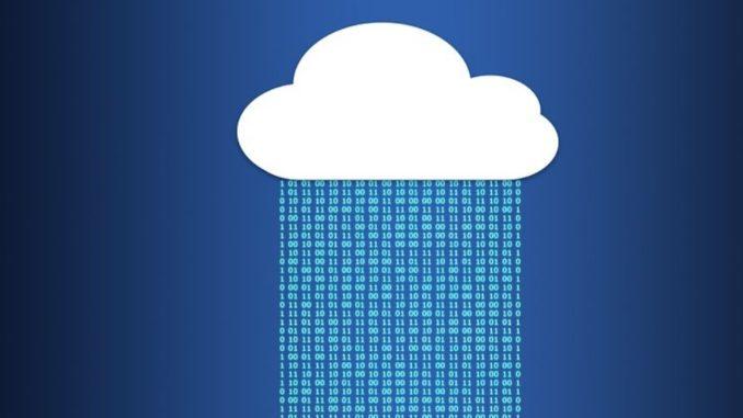 Im Hinblick auf die Bedienung neuer digitaler Technologien aus der Cloud sind Anwendungen im Bereich Internet der Dinge (IoT) bzw. Industrie 4.0 derzeit der häufigste Einsatzort für Public-Cloud-Lösungen. So arbeitet ein Fünftel derjenigen Unternehmen (20 Prozent), die die Public Cloud nutzen, damit planen oder über den Einsatz diskutieren, mit der Public Cloud im IoT-Bereich.