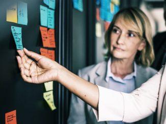 Neue Möglichkeiten und Wegen aufzudecken, ist eine der Stärken der SWOT-Analyse. Sie kann dabei helfen das eigene Unternehmen auf dem Markt weiter voran zu bringen.