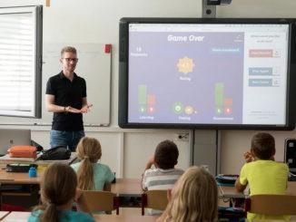 """Unterrichtsversorgung bei 99,6 Prozent - Tonne: """"Solider Wert und ein weiterer Schritt nach vorne"""""""