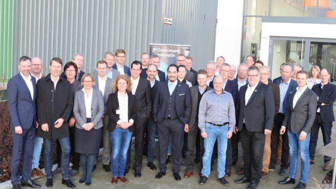 Nahmen die Rolle der Mitarbeiter bei der Digitalisierung in den Blick: Die Mitglieder des IHK-Fachausschusses Industrie und Umwelt.