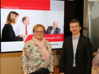 (v.l.): Doris Schwedt, KUG-Expertin der Arbeitsagentur Osnabrück, und Lars Hirseland, Teamleiter des Arbeitgeber-Services der Arbeitsagentur Osnabrück.