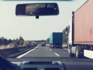 Niedersachsen lockert Sonntagsfahrverbot für Lastwagen