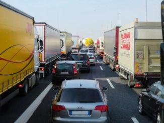 Oldenburgische IHK und Handelskammer Bremen befürchten Verkehrschaos