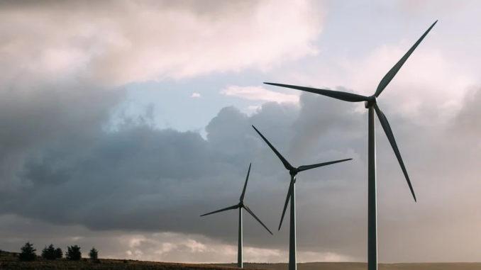 """Lies: """"Endlich kommt Bewegung in die Debatte um Flugsicherung - Neue Chance für Windenergie"""""""