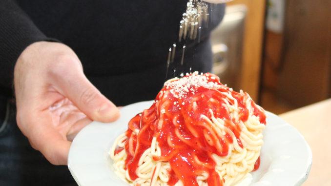 Spaghetti-Eis gehört in der Eisdiele zu den Klassikern. Foto: HWK/J. Stöppel