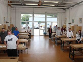 Gesellenstück auf Meisterniveau - Handwerkskammer verabschiedet zehn Tischler und drei Fachpraktiker für Holzverarbeitung