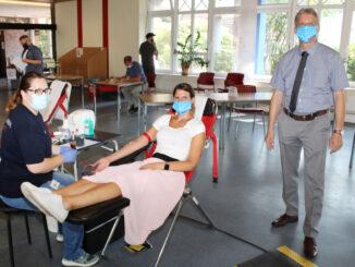 Handwerkskammer und DRK-Blutspendedienst NSTOB freuen sich über eine gelungene Auftaktveranstaltung.