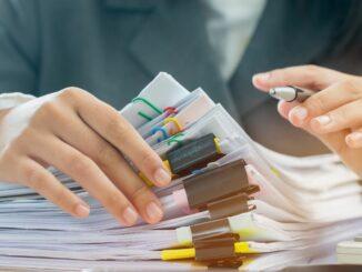 IHK-Blitzumfrage: Unternehmen sehen Bürokratieabbau als wirksamstes Konjunkturprogramm an