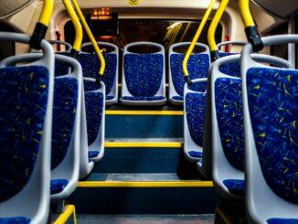 Für mehr Platz und bessere Hygiene in Bussen und Straßenbahnen: Land will Kommunen mit 30 Millionen Euro zusätzlich unterstützen