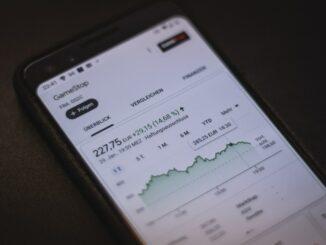 Immobilien und Aktien - aktuell überbewertet?
