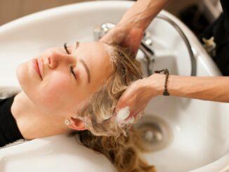 Handwerk begrüßt Erlaubnis von Selbsttests beim Friseurbesuch