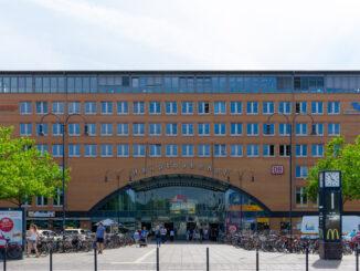 Bundesfinanzminister Olaf Scholz besucht zwei Bremer Industriebetriebe