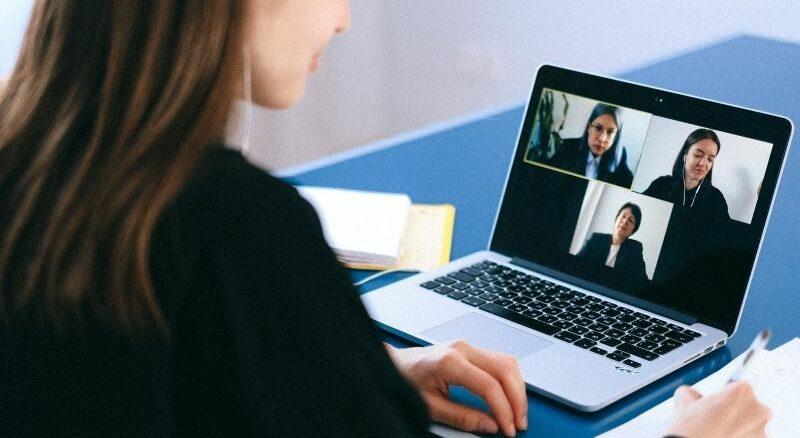 IHK und HWK bieten kostenlosen digitalen Elterntalk zur Berufsorientierung an